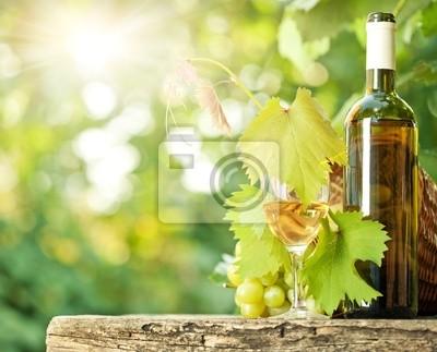 Weißwein Flasche, Wein, Glas und Trauben