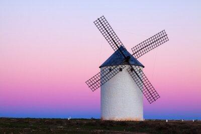Bild Wndmill auf Feld am Abend