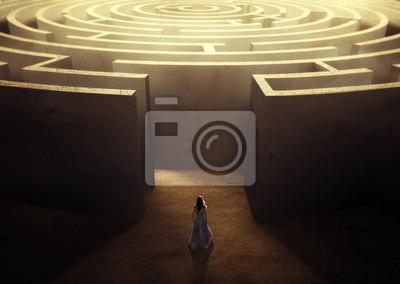 Bild Woman and maze