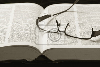 Bild Wörterbuch und Brillen