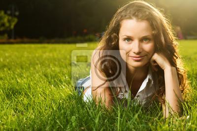 Wunderschöne junge hübsche Frau