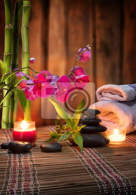 Zusammensetzung Bambus-lila Orchidee-schwarzen Steine - Holz Hintergrund
