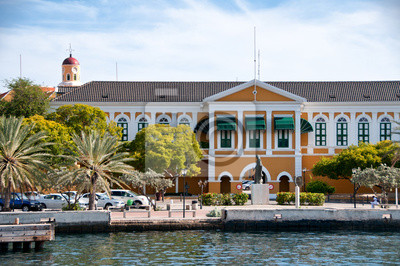 Bild Yellow Colonial Building at Willemstad, Curacao