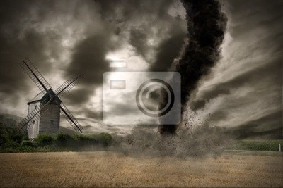 Zoom einer großen Tornado über einer Windmühle
