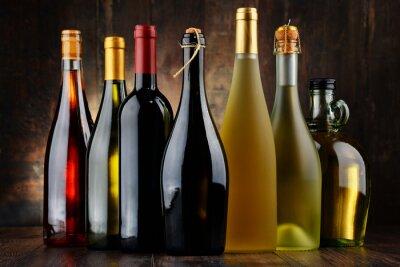 Bild Zusammensetzung mit verschiedenen Flaschen Wein