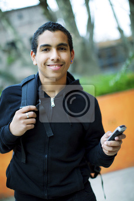 Teenager auf Handy