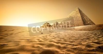 Fototapete Ägyptische Pyramiden in Sand Wüste und klarer Himmel