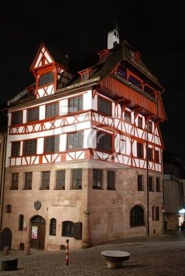 Fototapete: Albrecht-dürer-haus nürnberg bei nacht