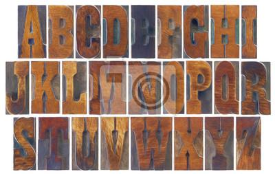 Alphabet in französischer Clarendon Holzart eingestellt