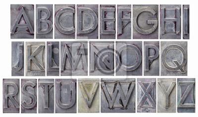 Alphabet in Grunge-Metall-Typ