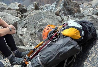 Rucksack Kletterausrüstung : Alpine rucksack mit kletterausrüstung angebaute
