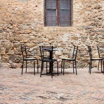 Fototapete Alte Café im Freien in einem traditionellen Toskana Straße