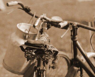 Fototapete Alte Fahrrad des letzten Jahrhunderts verwendet, um die Milch von mi transportieren