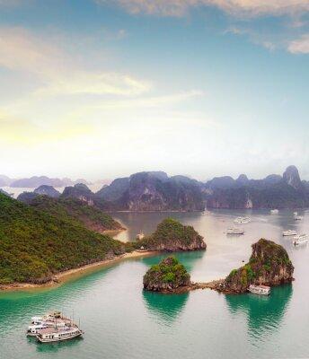 Fototapete Amazing Reiseziel in Asien - Halong Bay exotischen Meer und Inseln im Norden von Vietnam