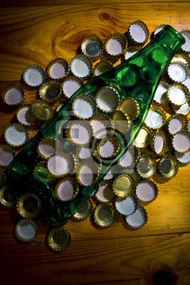 Fototapete angespannten Flasche unter Metalldeckel