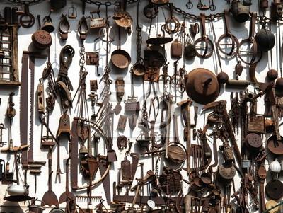 Fototapete antichi strumenti di lavoro