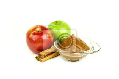 Äpfel mit Zimt und Karamell