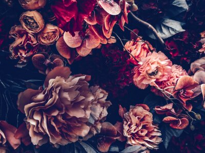 Fototapete artificial flowers wall background with vintage style