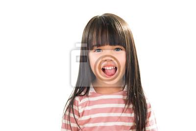 Fototapete Asian lächelnd kleines Mädchen Porträt isoliert auf weiß