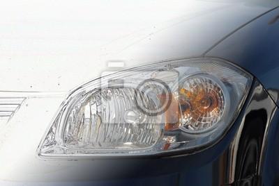 Auto-scheinwerfer im übergang von strichzeichnungen zum artikel ...