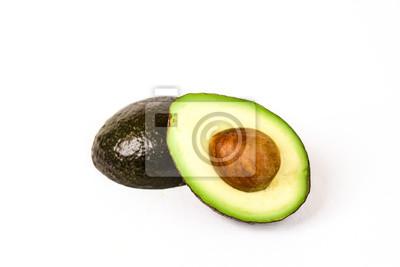 Avocado in zwei Hälften geschnitten