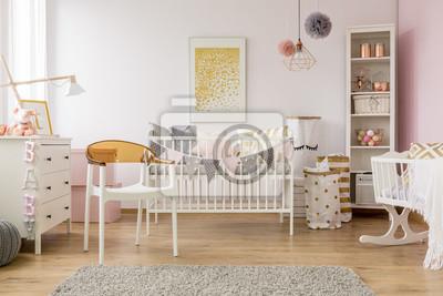 Baby-schlafzimmer mit weißem stuhl fototapete • fototapeten pouffe ...