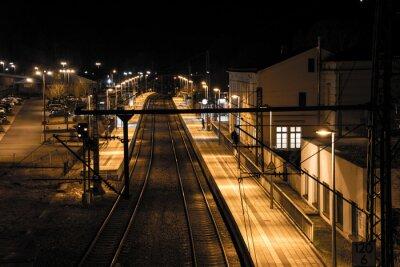 Fototapete Bahnhof bei Nacht