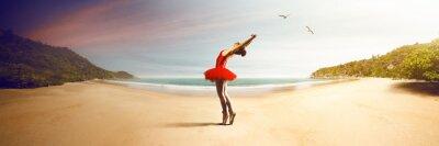 Fototapete Ballet Dancer at the beach