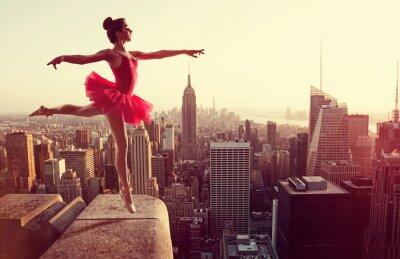 Fototapete Ballet Dancer in front of New York Skyline