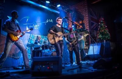 Fototapete Band spielt auf der Bühne, Rockmusikkonzert
