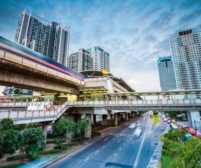Fototapete Bangkok U-Bahnstation in der Abenddämmerung