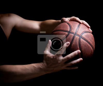 Basketball Ball in den Händen
