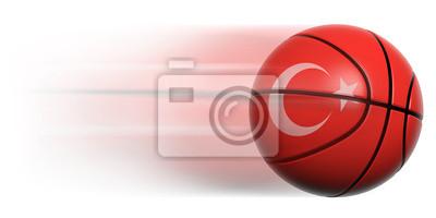 Basketball Ball mit der Flagge der Türkei in Bewegung isoliert