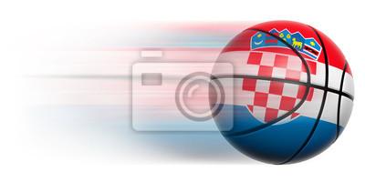 Basketball Ball mit der Flagge von Kroatien in Bewegung isoliert