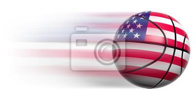 Basketball Ball mit Flagge der USA in Bewegung isoliert