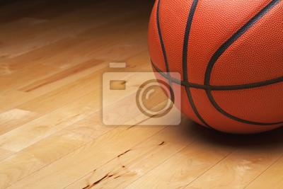 Basketball-shot close up auf Hartholz-Gym-Boden