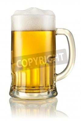 Fototapete Becher mit Bier isoliert auf weiß Mit Beschneidungspfad