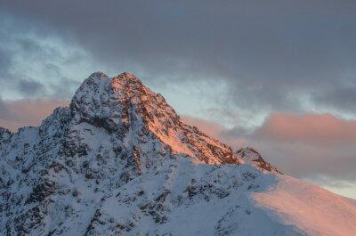 Fototapete Berg Sonnenuntergang Panorama im Winter in der Hohen Tatra - Swinica Peak auf polnisch - slowakischen Grenze