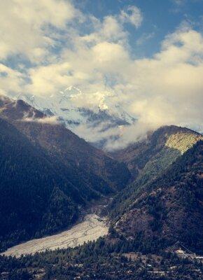 Fototapete Berge über dem Tal.