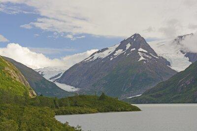 Fototapete Berge und Gletscher in einem abgelegenen Tal