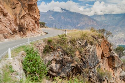 Fototapete Bergstraße zwischen Balsas und Leimebamba, Peru.