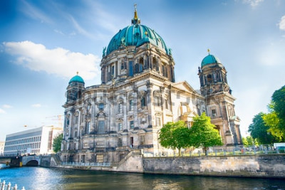 Fototapete Berlin Cathedral in Berlin am schönen Sommertag