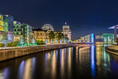 Fototapete Berliner Regierungsviertel bei Nacht