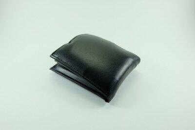 Black Geldbörse legte die Rechnung.