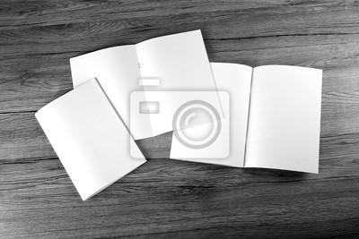 Blank katalog, broschüre, zeitschriften, buch auf holzuntergrund ...