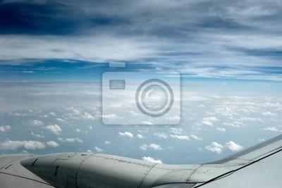 blau nebligen Himmel