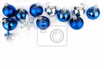 Silberne Weihnachtskugeln.Fototapete Blaue Und Silberne Weihnachtskugeln In Reihe Und Weihnachtssterne