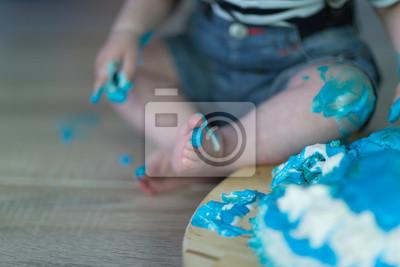 Blauer Kinderfuß