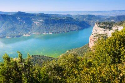 Fototapete Blick auf Sau Reservoir im Herbst. Katalonien, Spanien