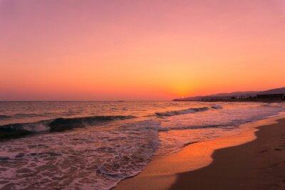Fototapete Blick auf wunderschönen Sonnenaufgang am Strand